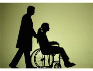 Aiuti economici: bonus di 1200 euro mensili a chi assiste un anziano o un disabile